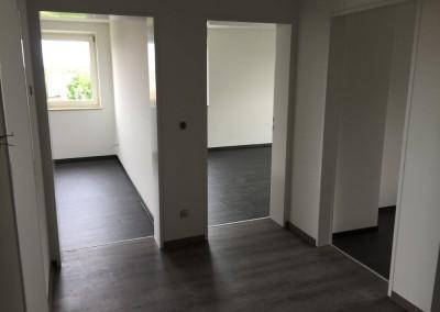 Boden mit hochwertigen Vinylbelag belegt, inkl. Malerarbeiten in der Pillenreuther 90459 Nbg